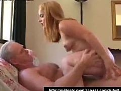 Teeny midget fuck in the badroom