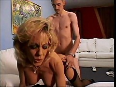 Sammie Sparks fucks a younger guy