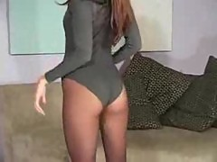 Jenna Hazes pantyhose striptease will get you addicted
