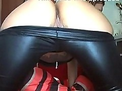 Obedientslut fucks her tight ass on webcam!!